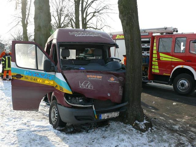 Hilfeleistung vom 07.02.2012  |  (C) Feuerwehr SG Hollenstedt (2012)